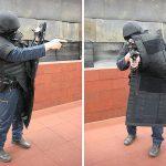 Balistinė apsauga, policininkas su skydu ir šalmu